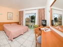 Hotel Tropical camera
